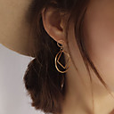 ราคาถูก ที่แขวนผ้าขนหนู-สำหรับผู้หญิง ต่างหูติดหู ทางเรขาคณิต สุภาพสตรี เกี่ยวกับยุโรป สไตล์เรียบง่าย แฟชั่น ต่างหู เครื่องประดับ สีเงิน / ทอง สำหรับ ปาร์ตี้ ทุกวัน ที่มา