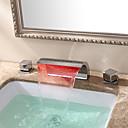 ราคาถูก ก๊อกอ่างล้างหน้าในห้องน้ำ-ร่วมสมัย Art Deco/Retro ที่ทันสมัย กระจาย น้ำตก กระจาย LED Ceramic Valve จับสองสามหลุม มีสี, ก๊อกน้ำอ่างล้างจานห้องน้ำ