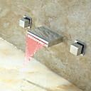 ราคาถูก ภาพวาดวิวทิวทัศน์-ก๊อกน้ำอ่างล้างจานห้องน้ำ - น้ำตก / LED มีสี ติดผนัง จับสองสามหลุมBath Taps / Brass