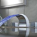 baratos Tapetes-Arte Deco/Retro Difundido Cascata LED Válvula Cerâmica Duas alças de três furos Cromado, Torneira pia do banheiro