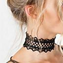 povoljno Choker ogrlice-Žene Choker oglice Izjava Ogrlice Tattoo choker jeftino Statement dame Stil tetovaže Moda Čipka Obala Crn Ogrlice Jewelry Za Božićni pokloni Party Rođendan Dnevno Kauzalni