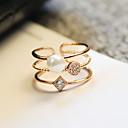 ราคาถูก แหวน-สำหรับผู้หญิง แหวน แหวนหมั้น Cubic Zirconia สีทอง อัญมณีสังเคราะห์ ไข่มุก เพทาย รอบ สไตล์เรียบง่าย ทูโทน สง่างาม งานแต่งงาน ปาร์ตี้ เครื่องประดับ / วันครบรอบ