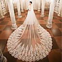 ราคาถูก ของประดับตกแต่งงานแต่งงาน-ชั้นเดียว ผ้าคลุมหน้าชุดแต่งงาน ผ้าคลุมหน้าในโบสถ์ กับ เข็มกลัด ลูกไม้ / Tulle / Angel cut / Waterfall