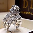 Χαμηλού Κόστους Δαχτυλίδια-Γυναικεία Δαχτυλίδι αρραβώνων Cubic Zirconia 1pc Λευκό Επιχρυσωμένο Κράμα Έξι δόντια Πολυτέλεια Γάμου Αρραβώνας Κοσμήματα Πασιέντζα