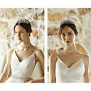 Χαμηλού Κόστους 3D κουρτίνες-Κρύσταλλο / Στρας / Κράμα Τιάρες με Τεχνητό διαμάντι / Κρυσταλλάκια / Απομίμηση Πέρλας 1 Τεμάχιο Γάμου / Καθημερινά Ρούχα Headpiece