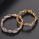 Χαμηλού Κόστους Χαραγμένο Δαχτυλίδια-Γυναικεία Δαχτυλίδι Cubic Zirconia 1pc Χρυσό Τριανταφυλλί Χρυσό Ασημί Στρας Κράμα Κυκλικό Στυλάτο Απλός Κομψό Καθημερινά Εξόδου Κοσμήματα Κλασσικό Κομψό Κύμα