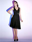 ราคาถูก ชุดเพื่อนเจ้าสาว-ฟิตหรือบาน คอวี เสมอเข่า ชิฟฟอน ชุดราตรีดำ ค็อกเทลปาร์ตี้ แต่งตัว กับ ของประดับด้วยลูกปัด / จับจีบ โดย TS Couture®