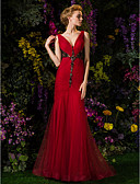 Χαμηλού Κόστους Βραδινά Φορέματα-Τρομπέτα / Γοργόνα Βυθίζοντας το λαιμό Ουρά Δαντέλα πάνω από τούλι Χοροεσπερίδα / Επίσημο Βραδινό / Στρατιωτικός Χορός Φόρεμα 2020 με Χάντρες / Κουμπί / Κρυστάλλινη λεπτομέρεια