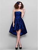 Χαμηλού Κόστους Φορέματα κοκτέιλ-Γραμμή Α Στράπλες Ασύμμετρο Δαντέλα Κοντό Μπροστά Μακρύ Πίσω / Κομψό Κοκτέιλ Πάρτι / Χοροεσπερίδα Φόρεμα 2020 με Δαντέλα
