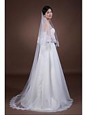 ราคาถูก ม่านสำหรับงานแต่งงาน-Two-tier งานผ้าขอบลายลูกไม้ ผ้าคลุมหน้าชุดแต่งงาน ผ้าคลุมศรีษะสำหรับชุดแต่งงาน กับ เข็มกลัด Tulle / คลาสสิก
