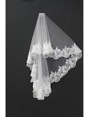 ราคาถูก ม่านสำหรับงานแต่งงาน-Two-tier งานผ้าขอบลายลูกไม้ ผ้าคลุมหน้าชุดแต่งงาน Blusher Veils / ผ้าคลุมหน้ายาวถึงไหล่ / ผ้าคลุมศรีษะสำหรับชุดแต่งงาน กับ เข็มกลัด Tulle / Drop Veil