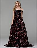 ราคาถูก Special Occasion Dresses-บอลกาวน์ ไหล่ตก ชายกระโปรงคอร์ท ลูกไม้ / ซาติน Prom / ทางการ แต่งตัว กับ เข็มกลัด โดย TS Couture®