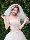 ราคาถูก ม่านสำหรับงานแต่งงาน-Two-tier ลูกไม้ ผ้าคลุมหน้าชุดแต่งงาน ผ้าคลุมหน้ายาวถึงไหล่ กับ เข็มกลัด ลูกไม้ / Tulle