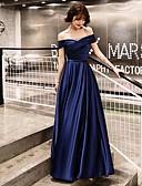 baratos Vestidos Longos-Linha A Ombro a Ombro Longo Cetim Elegante / Inspiração Vintage Baile de Formatura Vestido 2020 com Faixa / Fita / Franzido