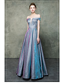 baratos Vestidos Longos-Linha A Ombro a Ombro Longo Cetim / Paetês Elegante & Luxuoso / Brilho & Glitter Baile de Formatura Vestido 2020 com