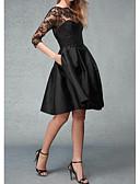 Χαμηλού Κόστους Φορέματα Χορού Αποφοίτησης-Γραμμή Α Χαμόγελο Μέχρι το γόνατο Δαντέλα / Σατέν Μικρό Μαύρο Φόρεμα Κοκτέιλ Πάρτι Φόρεμα 2020 με Εισαγωγή δαντέλας