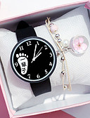 baratos Relógios da Moda-Mulheres Relógios de Quartzo Nova chegada Fashion Preta Branco Silicone Chinês Quartzo Preto Branco Cronógrafo Fofo Novo Design 2pçs Analógico Um ano Ciclo de Vida da Bateria