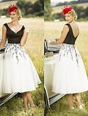 Χαμηλού Κόστους Φορέματα Χορού Αποφοίτησης-Γραμμή Α Βυθίζοντας το λαιμό Κάτω από το γόνατο Σιφόν Κομψό Κοκτέιλ Πάρτι / Αργίες Φόρεμα 2020 με Διακοσμητικά Επιράμματα με JUDY&JULIA