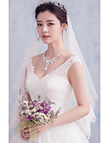 Wedding Veil Two-tier Elbow Veils Lace Applique Edge Tulle