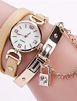 Per donna Orologio alla moda Orologio braccialetto Simulato Triangolo Orologio Cinese Quarzo imitazione diamante PU Banda Stile Boho