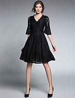 Damen Spitze Swing Kleid-Party Lässig/Alltäglich Einfach Solide V-Ausschnitt Knielang Halbe Ärmel Polyester Herbst Mittlere Hüfthöhe
