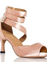 Для женщин Латина Шёлк Сандалии Концертная обувь С пряжкой Кубинский каблук Черный Миндальный 5 - 6,8 см Персонализируемая