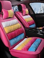 pantofola a righe arcobaleno ricoperta di sedile in inverno con sedile in pelle circondata da un sedile rosa