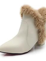 Feminino Sapatos Pêlo/Pena Courino Outono Inverno Botas da Moda Curta/Ankle Forro de fluff Botas Salto de bloco Dedo Apontado Botas