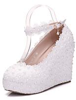 Damen Schuhe PU Frühling Herbst Komfort Neuheit Hochzeit Schuhe Keilabsatz Runde Zehe Applikation Perlenstickerei Schnalle Für Hochzeit