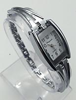 Damen Modeuhr Armband-Uhr Armbanduhren für den Alltag Quartz Legierung Band Bequem Silber