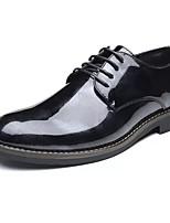 Masculino sapatos Couro Ecológico Primavera Outono Sapatos formais Oxfords Cadarço Para Casual Preto Vermelho