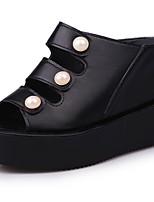 Damen Schuhe PU Herbst Komfort Slippers & Flip-Flops Keilabsatz Offene Spitze Perle Für Normal Weiß Schwarz