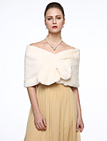 Sleeveless Faux Fur Wedding Party / Evening Women's Wrap Capelets