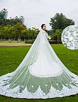 One-tier Wedding Veil Chapel Veils Cathedral Veils With Applique Scattered Bead Floral Motif Style Lace Tulle