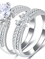 Homme Femme Anneaux Bague de fiançailles Zircon Zircon Alliage Forme Géométrique Bijoux Pour Mariage Soirée Fiançailles Cérémonie