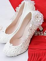 Femme Chaussures Dentelle Similicuir Printemps Automne Confort Chaussures de mariage Bout rond Strass Applique Imitation Perle Fleur Pour