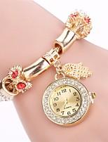 Per donna Orologio alla moda Orologio braccialetto Simulato Triangolo Orologio Cinese Quarzo imitazione diamante Lega Banda Ciondolo