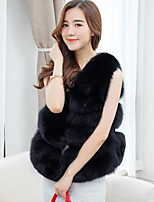 Sleeveless Faux Fur Wedding Party / Evening Women's Wrap Vests
