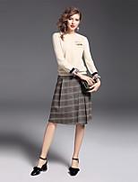 Damen Plaid/Karomuster Anspruchsvoll Lässig/Alltäglich Ausgehen Pullover Rock Anzüge Langarm Kunstseide Polyester Nylon Elasthan