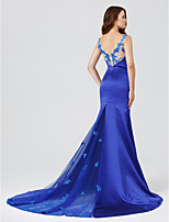 Mermaid / Trumpet V-neck Court Train Lace Stretch Satin Formal Evening Dress with Appliques by TS Couture®