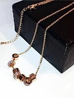 Femme Pendentif de collier Zircon Forme de Cercle Forme Géométrique Zircon Plaqué or Mode Elégant Bijoux Pour Mariage Quotidien