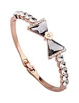 Femme Manchettes Bracelets Bracelet Strass Classique Coréen Plaqué or Alliage Forme de Cercle Forme de Noeud Bijoux Pour Anniversaire