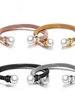 Femme Manchettes Bracelets Perle imitée Doux Acier au titane Forme de Cercle Bijoux Pour Quotidien Rendez-vous