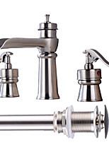 Разбросанная Водопад Керамический клапан Две ручки три отверстия Матовый никель , Ванная раковина кран