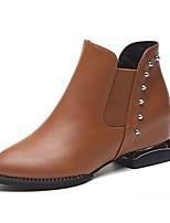 abordables -Mujer Zapatos PU Invierno Botas de Combate Botas Tacón Cuadrado Dedo Puntiagudo Mitad de Gemelo Remache Para Casual Negro Marrón