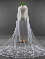 Недорогие -Один слой Кружевная кромка Элегантный и роскошный Свадебные вуали Соборная фата С Аппликация Вышивка Кружева Тюль