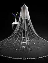 cheap -Two-tier Cut Edge Modern Wedding Veil Cathedral Veils Headpiece With Applique Lace Tulle