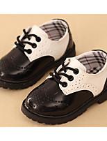 Недорогие -Мальчики обувь Дерматин Весна Осень Удобная обувь Туфли на шнуровке Для прогулок Шнуровка для Повседневные Черный Черно-белый