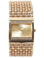 baratos -Mulheres Bracele Relógio Único Criativo relógio Simulado Diamante Relógio Quartzo Prata / Dourada Impermeável Cronógrafo Relógio Casual Analógico Rígida Elegante Natal - Dourado Prata Um ano Ciclo de
