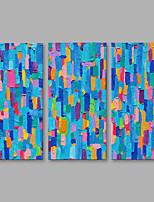 Недорогие -Ручная роспись Абстракция Вертикальная,Modern Холст Hang-роспись маслом Украшение дома 3 панели